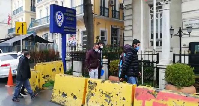 Beyoğlu'nda 'Değnekçi' operasyonu: 4 gözaltı