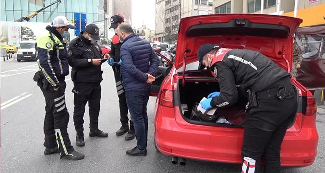 Taksim'de uygulamada ilginç anlar: 'Çakar kullanmıyorum, çocuğum için almıştım'