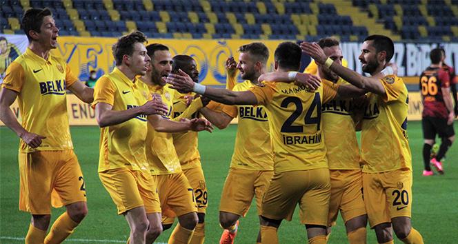 Ankaragücü, Galatasaray'ı 2-1 mağlup etti