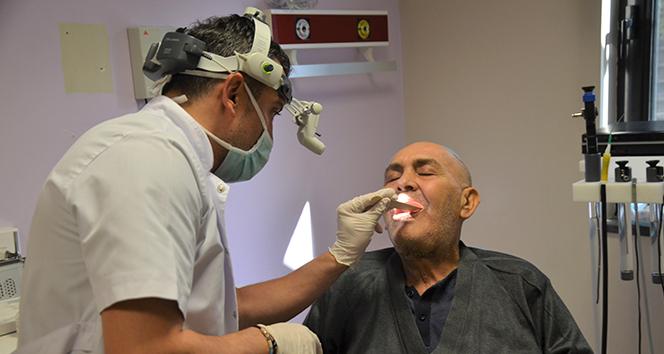 Dişindeki apse ölümüne yol açıyordu: Ameliyat ve 2 aylık tedavi sonucu hayata tutundu