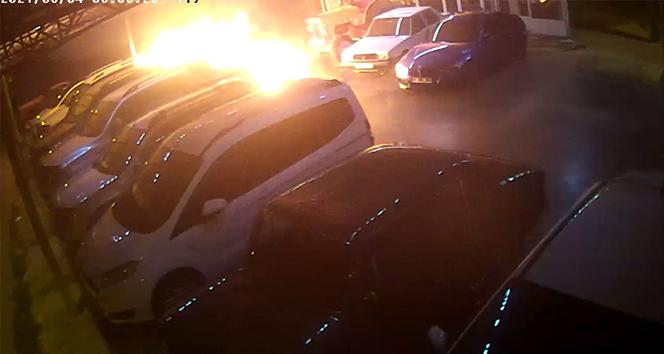 Kasklı kundakçılar galerideki lüks araçları böyle yaktı