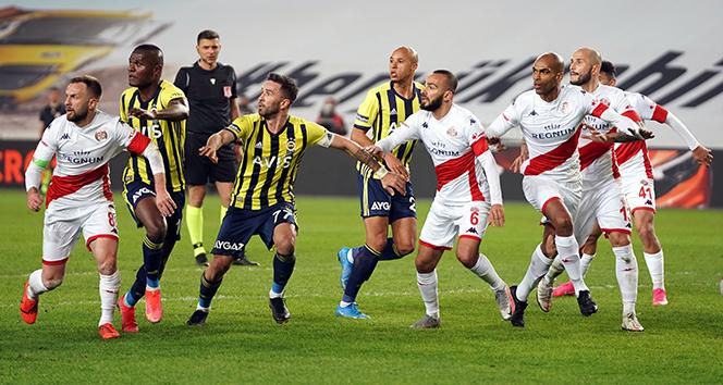Fenerbahçe sahasında Antalyaspor ile berabere kaldı