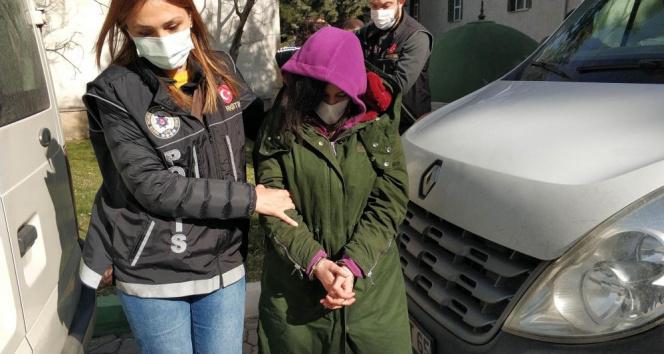 Genç kadın uyuşturucu ticaretinden gözaltına alındı!