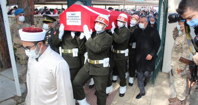 Şehit Astsubay Kıdemli Başçavuş Mehmet Demir son yolculuğuna uğurlandı