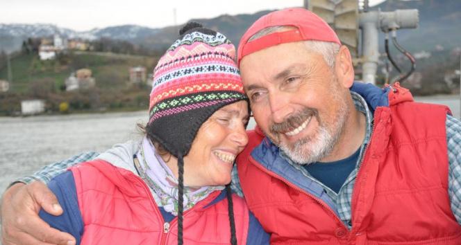 22 yıldır gece gündüz demeden eşiyle birlikte denizde 'Vira Bismillah' diyor