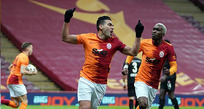 Radamel Falcao gol sayısını 7'ye çıkardı