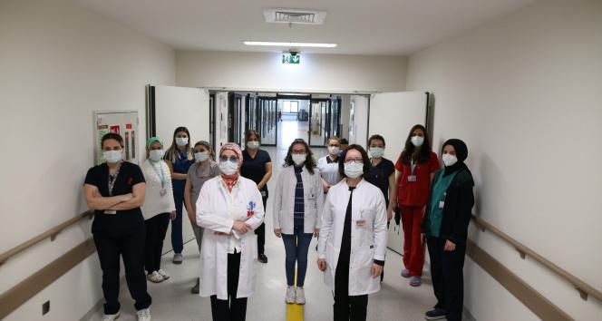Bursa Şehir Hastanesi'nin Yanık Merkezi kadın sağlıkçılara emanet