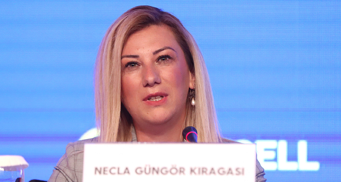 Necla Güngör Kıragası: 'Bu hikayenin yazarı olmak istiyorum'
