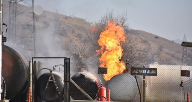 Kırıkkale'de dökme gaz tankı alevlere teslim oldu, panik yaşandı