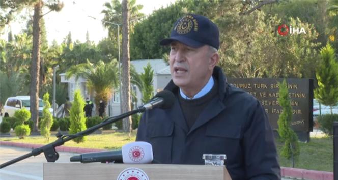 Bakan Akar: 'Yunanistan'la görüşmeler devam ediyor, yapıcı yaklaşımlarımıza rağmen tacizlerle karşılıyoruz'