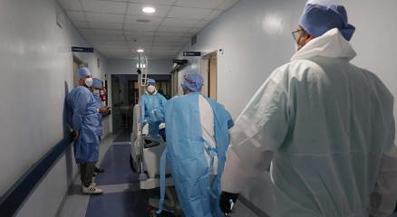 Tunusta Covid-19 nedeniyle sağlık sistemi çöktü: Libya Tunus ile sınırlarını kapattı