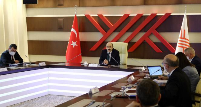 YÖK Başkanı Saraç 'araştırma ve aday araştırma' üniversitelerinin rektörleriyle buluştu
