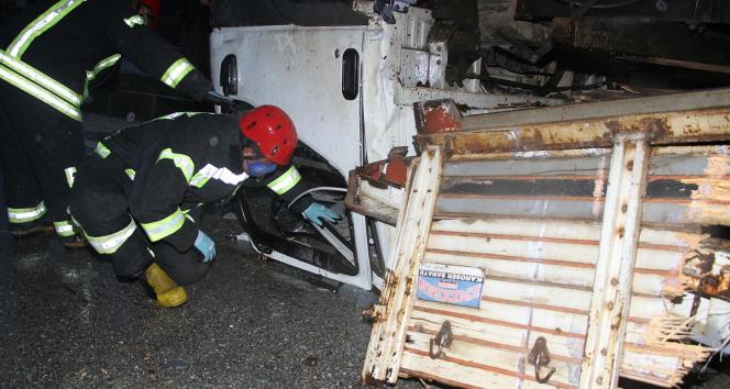 Manisa'da feci kaza: 1'i ağır 4 yaralı