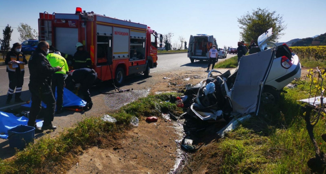 Otomobil üzüm bağına uçtu: 3 kişi hayatını kaybetti