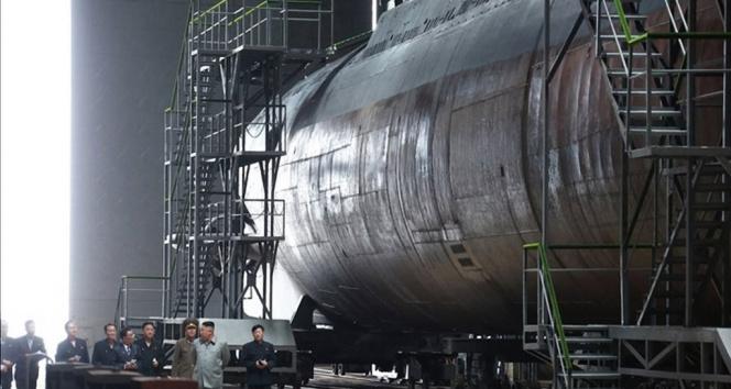 Güney Kore istihbaratı: 'Kuzey Kore 3 bin tonluk balistik füze denizaltısının montajını tamamladı'