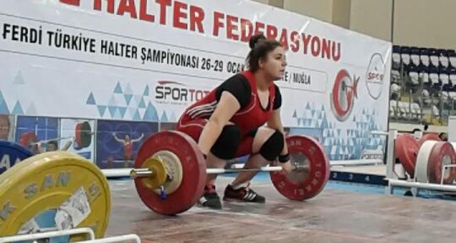 Avrupa Halter Şampiyonası'nda Melike Günal 3 bronz madalya kazandı