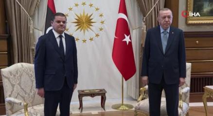 Cumhurbaşkanı Erdoğan ve Dibeybenin baş başa görüşmesi sona erdi