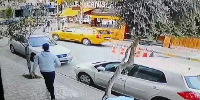 İzmirde film gibi olay: Kaçırdığı taksi ile yayaya çarpan kadın, kovalamaca sonucu yakalandı