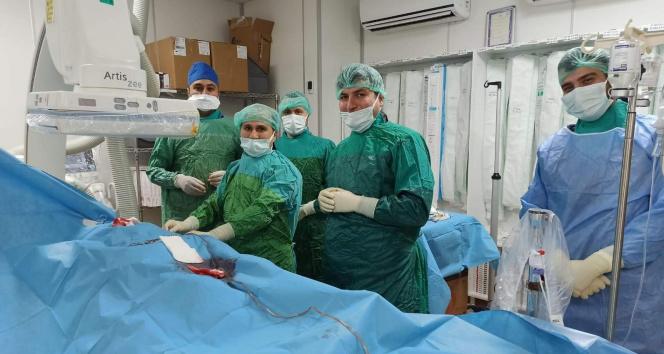 Siirt'te 82 yaşındaki hastaya kalıcı kalp pili takıldı