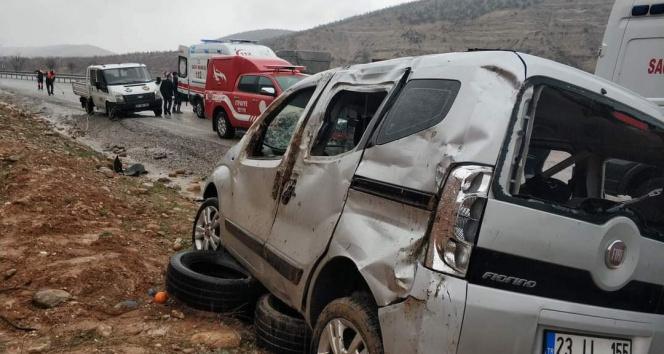 Kayganlaşan yol kazaya neden oldu: 1 kişi hayatını kaybetti, 3 kişi yaralı