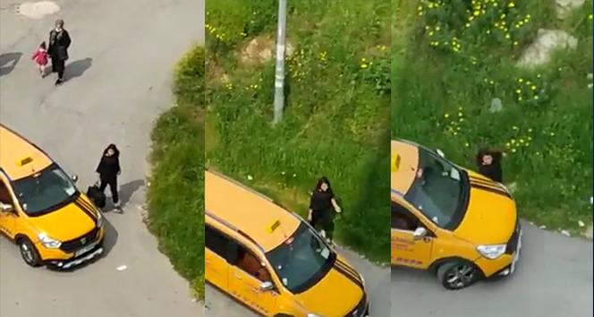 Taksici yol ortasında kadına dehşeti yaşattı!