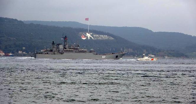 Rusya gemilerini Karadeniz'e çekiyor...İki savaş gemisi Çanakkale'den geçti