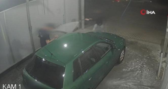 Polonya'da genç kadın araba hırsızını tazyikli suyla etkisiz hale getirdi