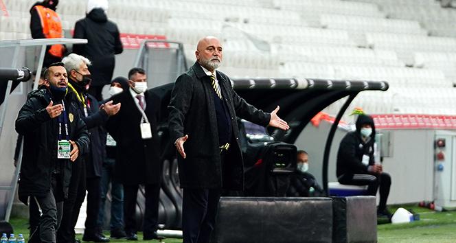 Hikmet Karaman: '3-4 maç sonra, ligdeki yerimiz için daha net konuşurum'