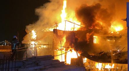 Bursada antika dükkanında büyük yangın