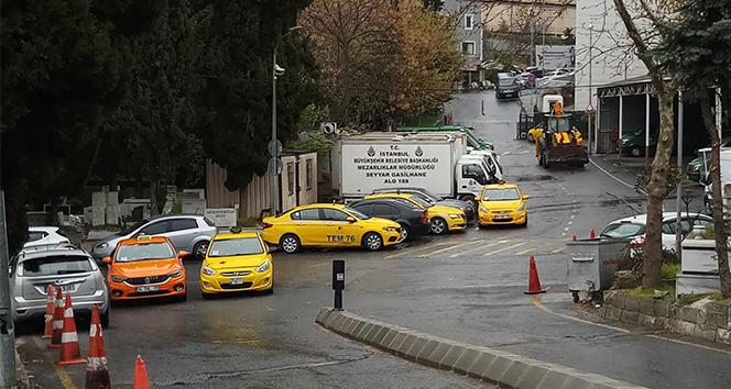 Taksici esnafına yüzlerce araçlık konvoyla veda