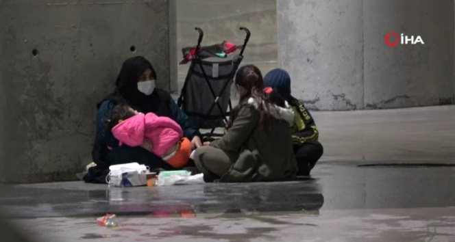 Taksim'de çocuklarını dilendiren kadın önce kameralara, ardından zabıtaya yakalandı