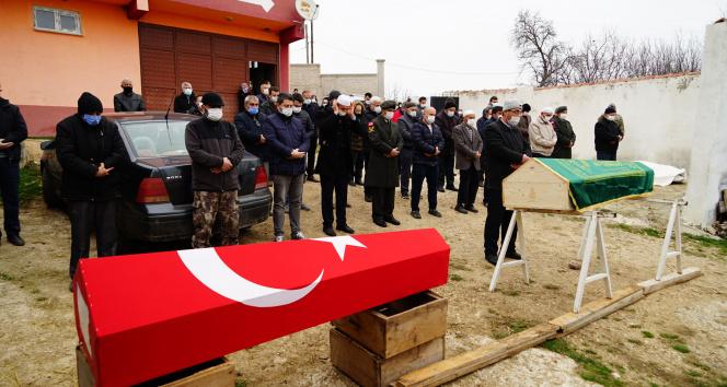 Ölüm, askeri ve babasını aynı gün yakaladı
