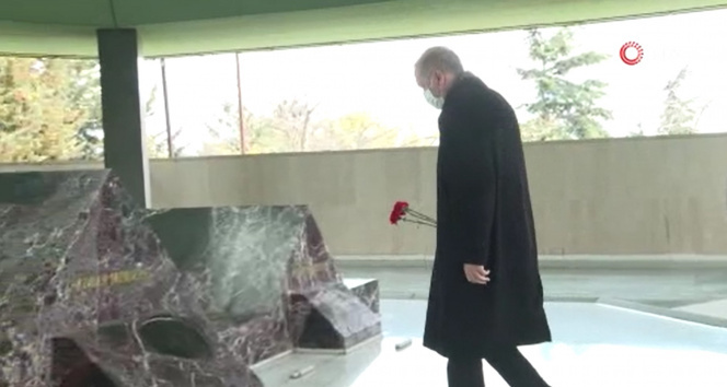 Cumhurbaşkanı Erdoğan, merhum Başbakan Adnan Menderes'in mezarını ziyaret etti