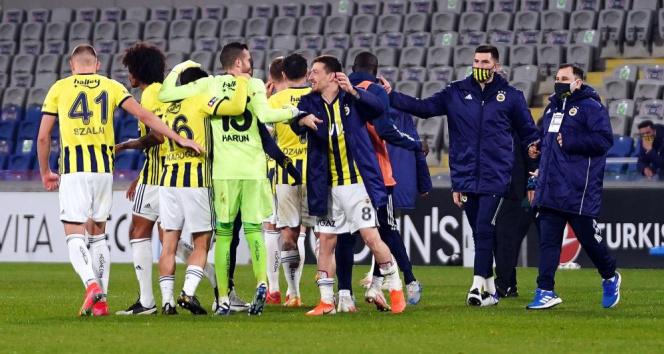 Fenerbahçe'de kadroda 2 değişiklik