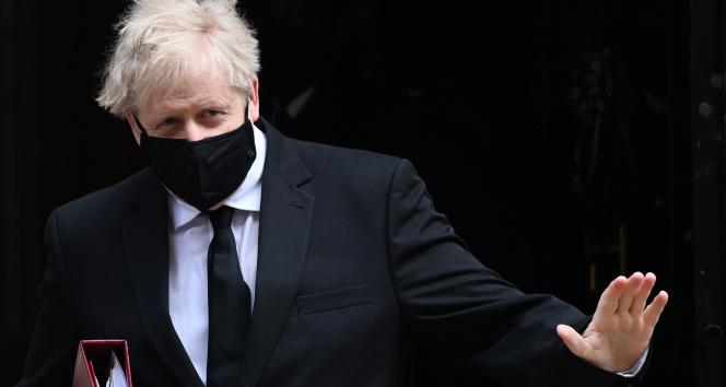 İngiltere Başbakanı Johnson: 'Sonbaharda yeni ilaçlar sunulacak'