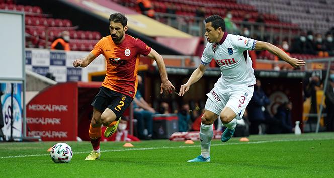 Galatasaray son saniyede 1 puanı kurtardı
