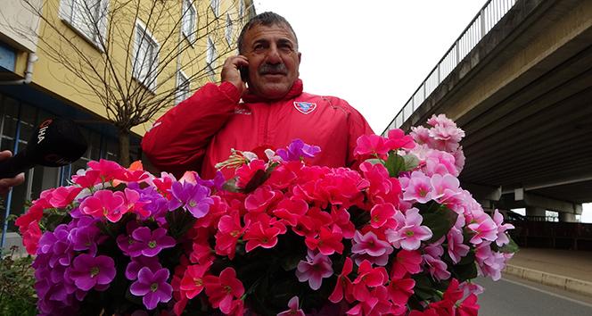 21 bin TL'lik çiçek dağıttı, seçimi yine kaybetti