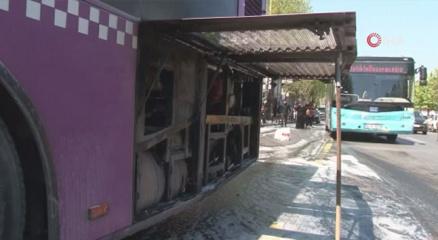 Fatihte korkutan otobüs yangını
