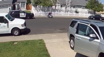 ABDde polis otizmli çocuğu yumrukladı