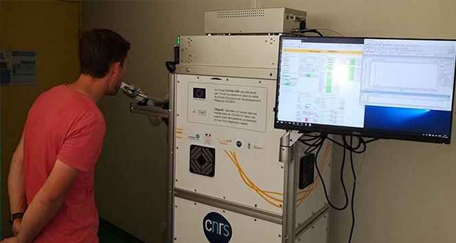 Fransa'da nefes ile Covid-19 testi yapan cihaz deneme aşamasında