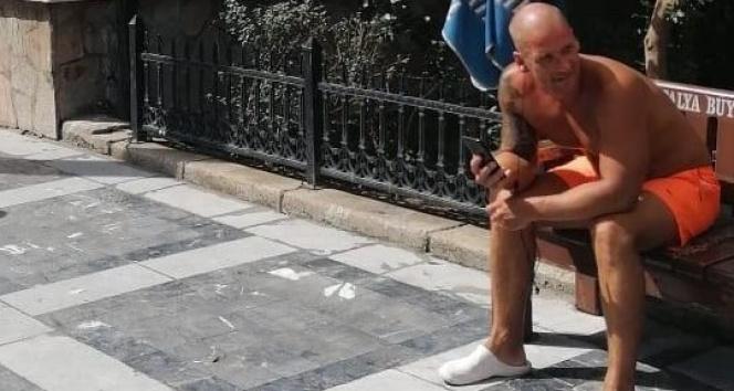Maskesiz İngiliz turist polise hakaretten gözaltına alındı