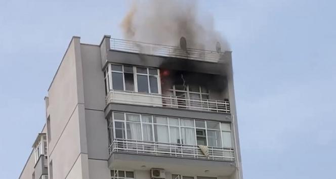 Evi yandı, komşuları uyarınca fark etti