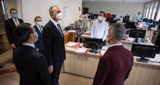 Bakan Gül'den Ankara Adliyesinde salgın tedbirlerini inceledi