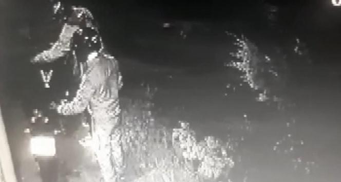 Kartal'da 150 bin liralık motosiklet hırsızlığı kamerada