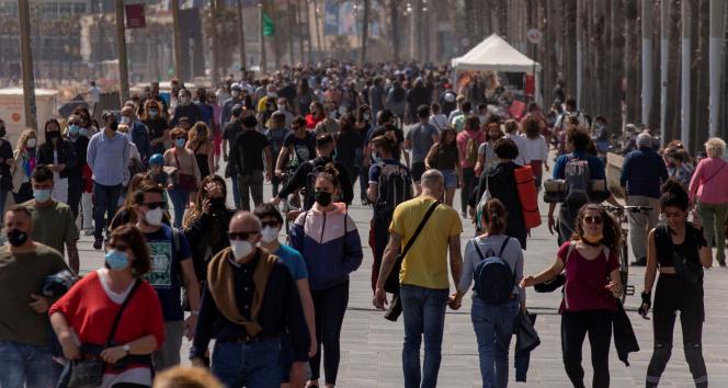 İspanya'da Covid-19 kısıtlamalarına eyalet yönetimleri karar verecek
