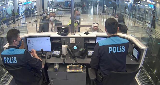 İstanbul Havalimanı'nda VİP göçmen kaçakçılığı pasaport polisine takıldı: 3 gözaltı