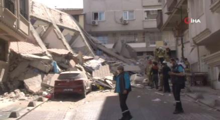 Zeytinburnunda 5 katlı bir bina çöktü