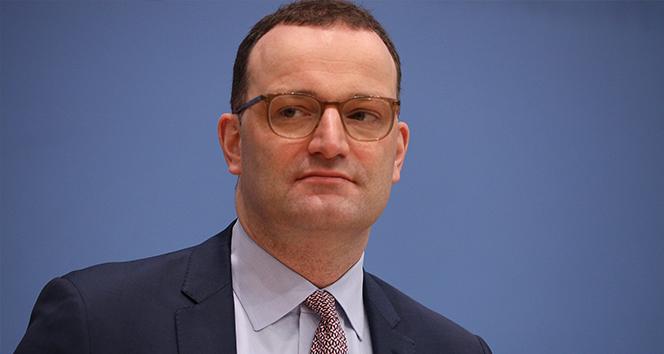 Almanya Sağlık Bakanı Spahn: 'Salgının üçüncü dalgası kırıldı'