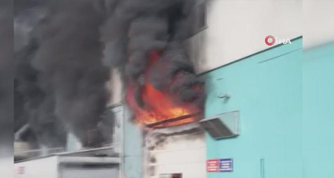 Silivri'de otomotiv yedek parça fabrikasında yangın