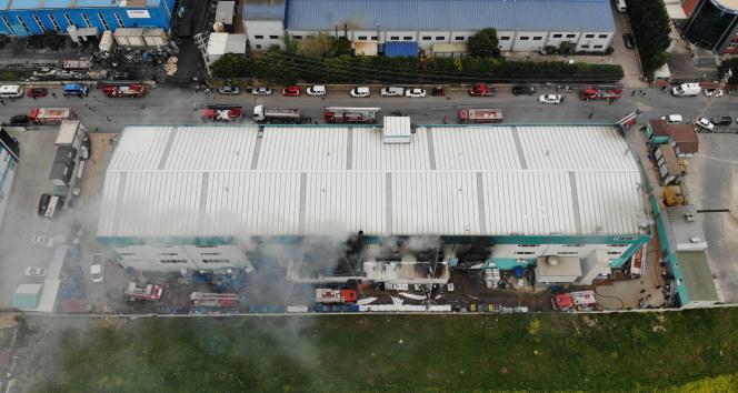 Silivri'de otomotiv yedek parça fabrikasında korkutan yangın
